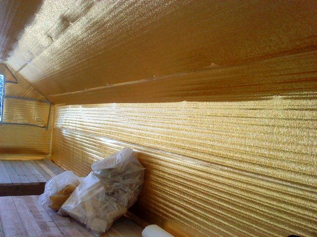 Строительство деревянных домов Утепление мансардной крыши деревянного дома в Уфе.